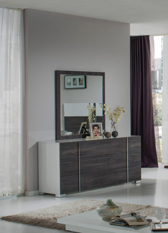VIG Furniture Nova Domus Corrado Italian Modern Grey Mirror
