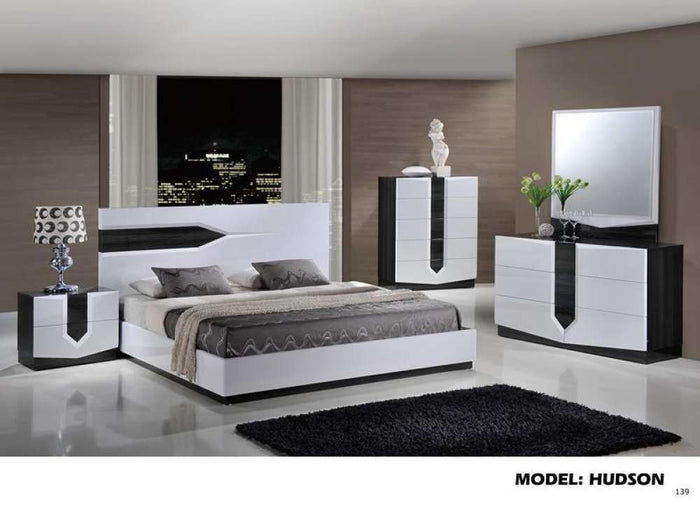 Global Furniture Queen Bed Zebra Grey & White Hg