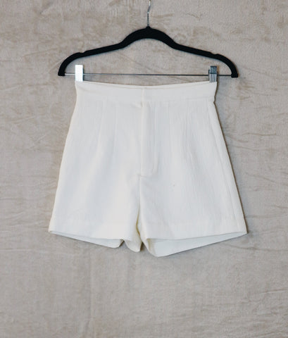 Milin White high-waist shorts with wrinkle details