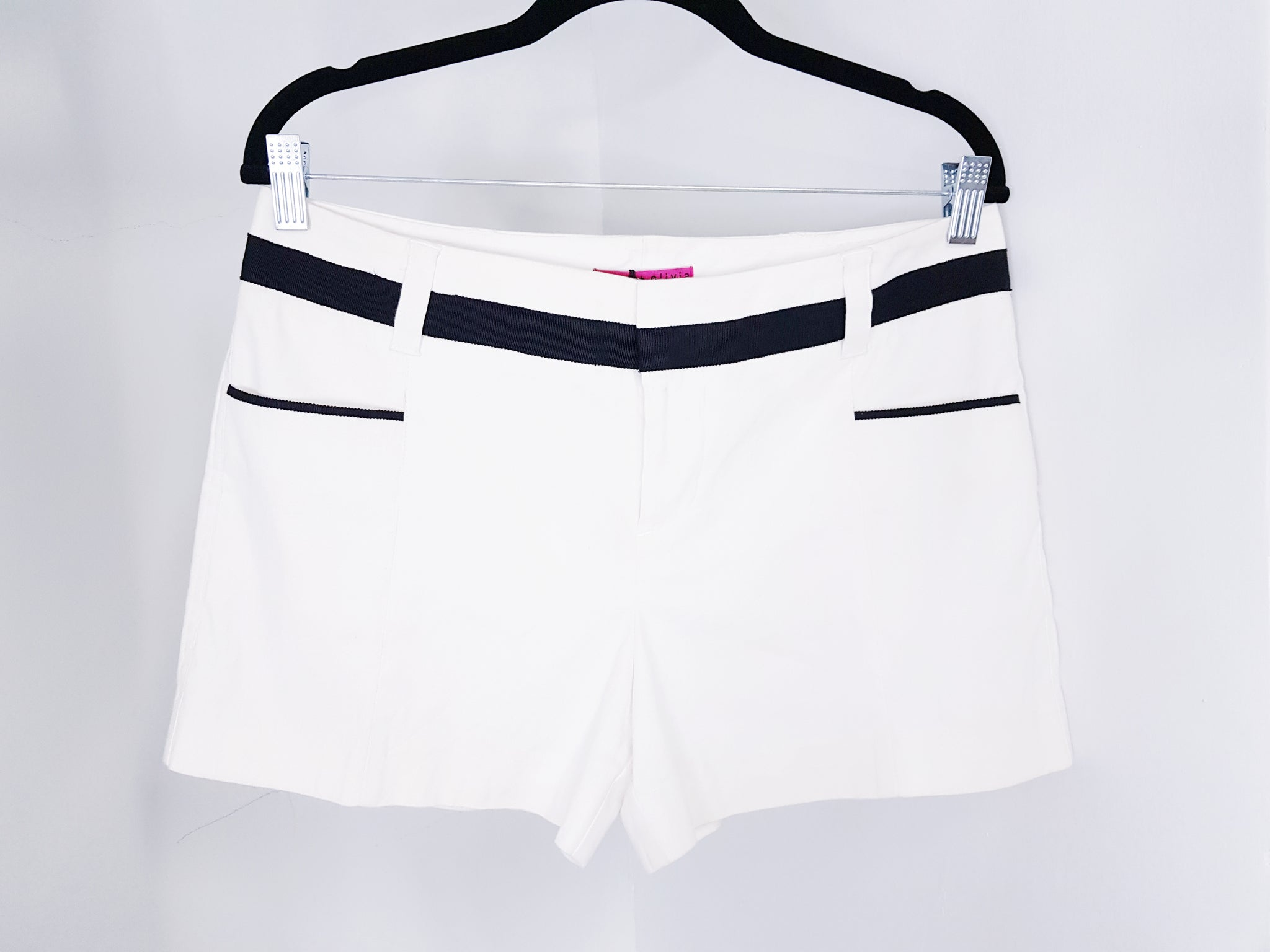 Alice & Olivia White Shorts with Black details
