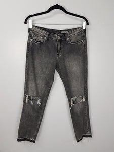 & Denim grey girlfriend fit low waist jeans