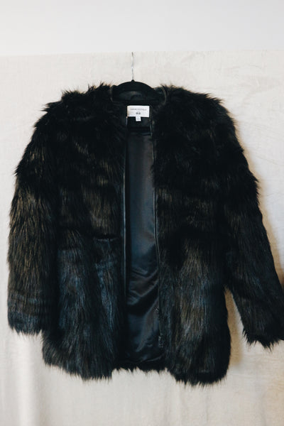 Uniqlo Black Long Sleeved Jacket With Fur