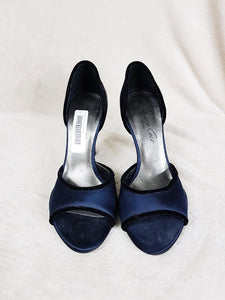 Kenneth Cole black satin heels