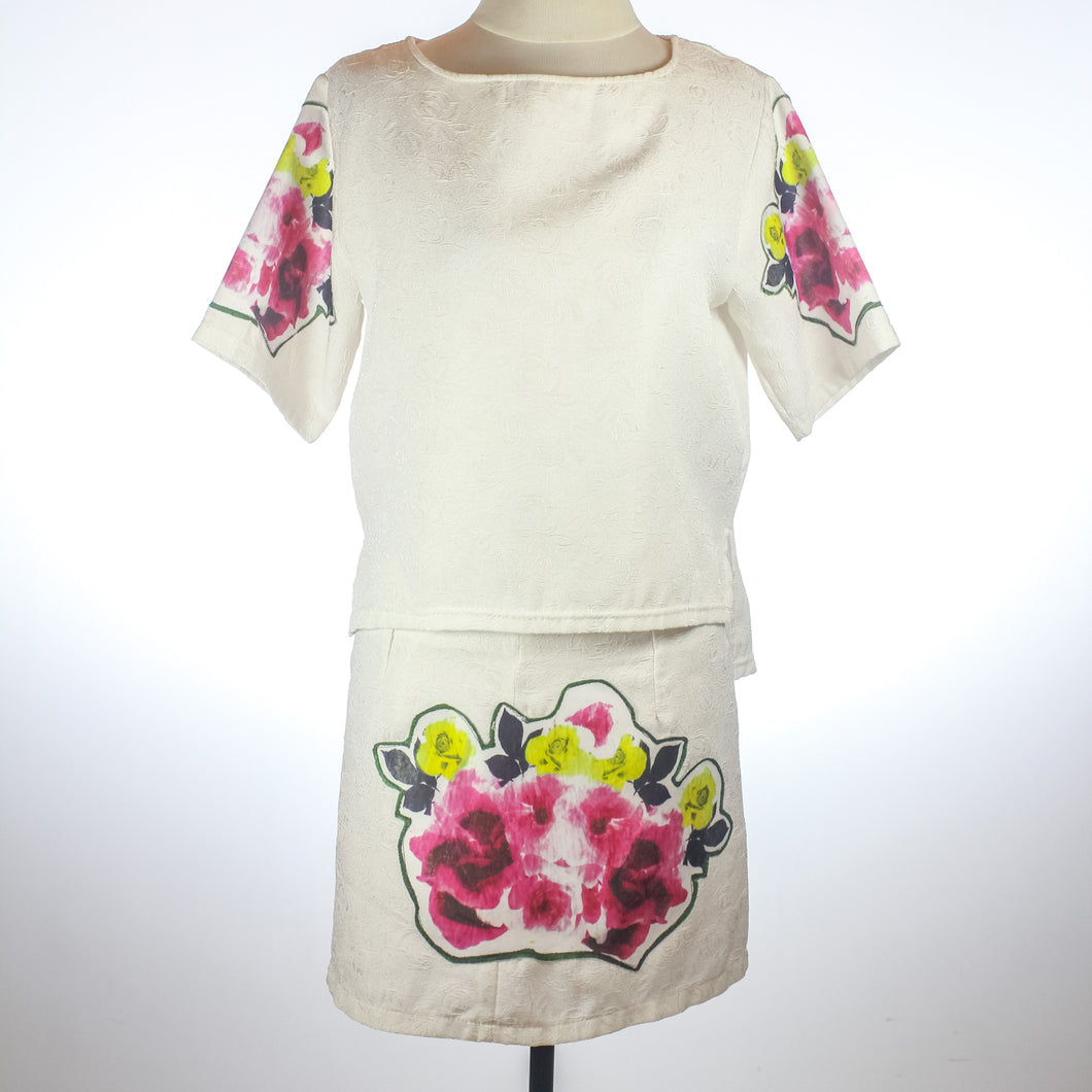 Arketa White Floral Blouse and Skirt Set