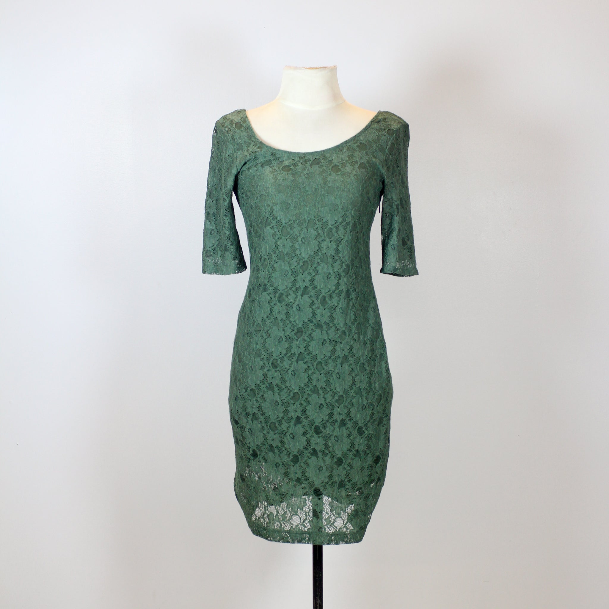 Banana Republic Green Scoop-Neck Lace Dress with 3/4 Sleeves