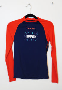 Decathlon blue and red sleeves athletic top