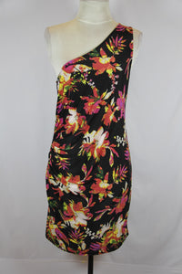 Amisu Black One Shoulder Straight Dress with Floral Design