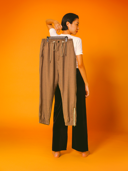(30% off) 015 - The Zip Pant (Tan)