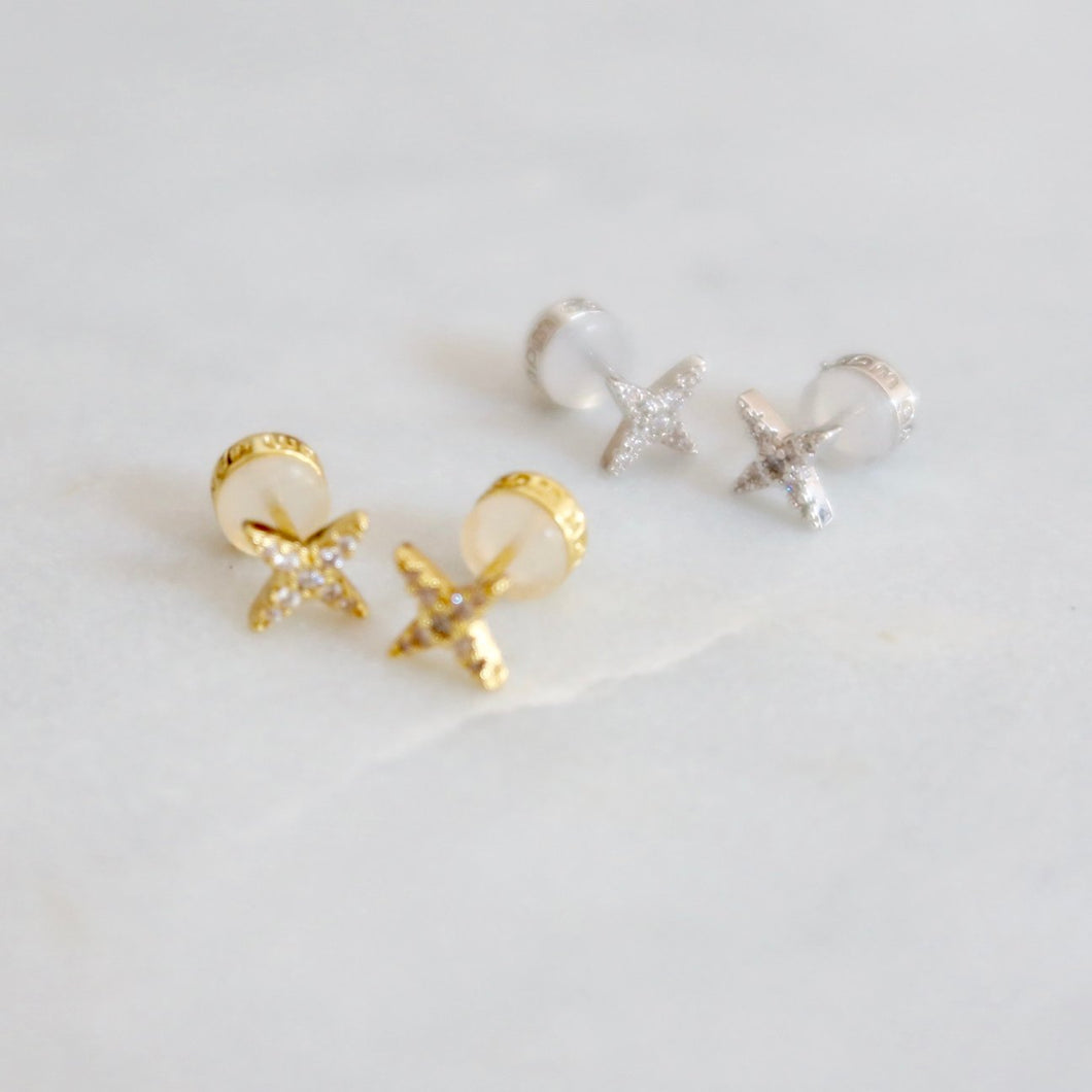 Tiny Star Studs Gold