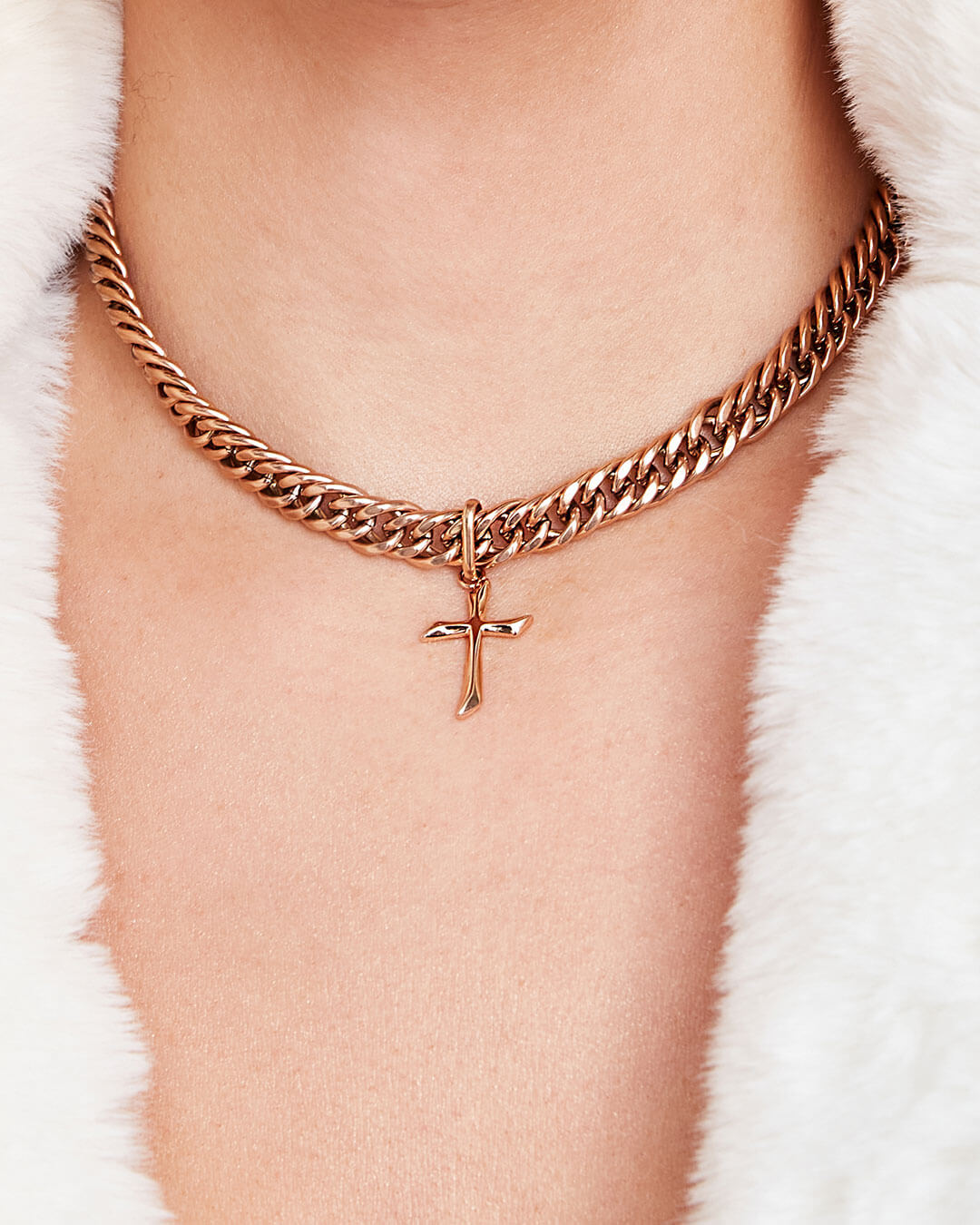 Cross Curb Chain Necklace (Rose Gold)