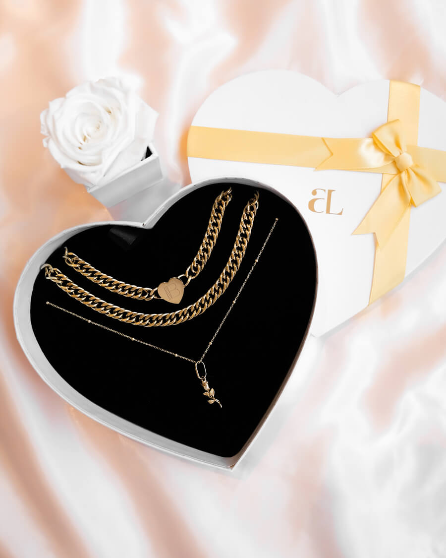 Rose & Heart Personalise Love Gift Set (Champagne)