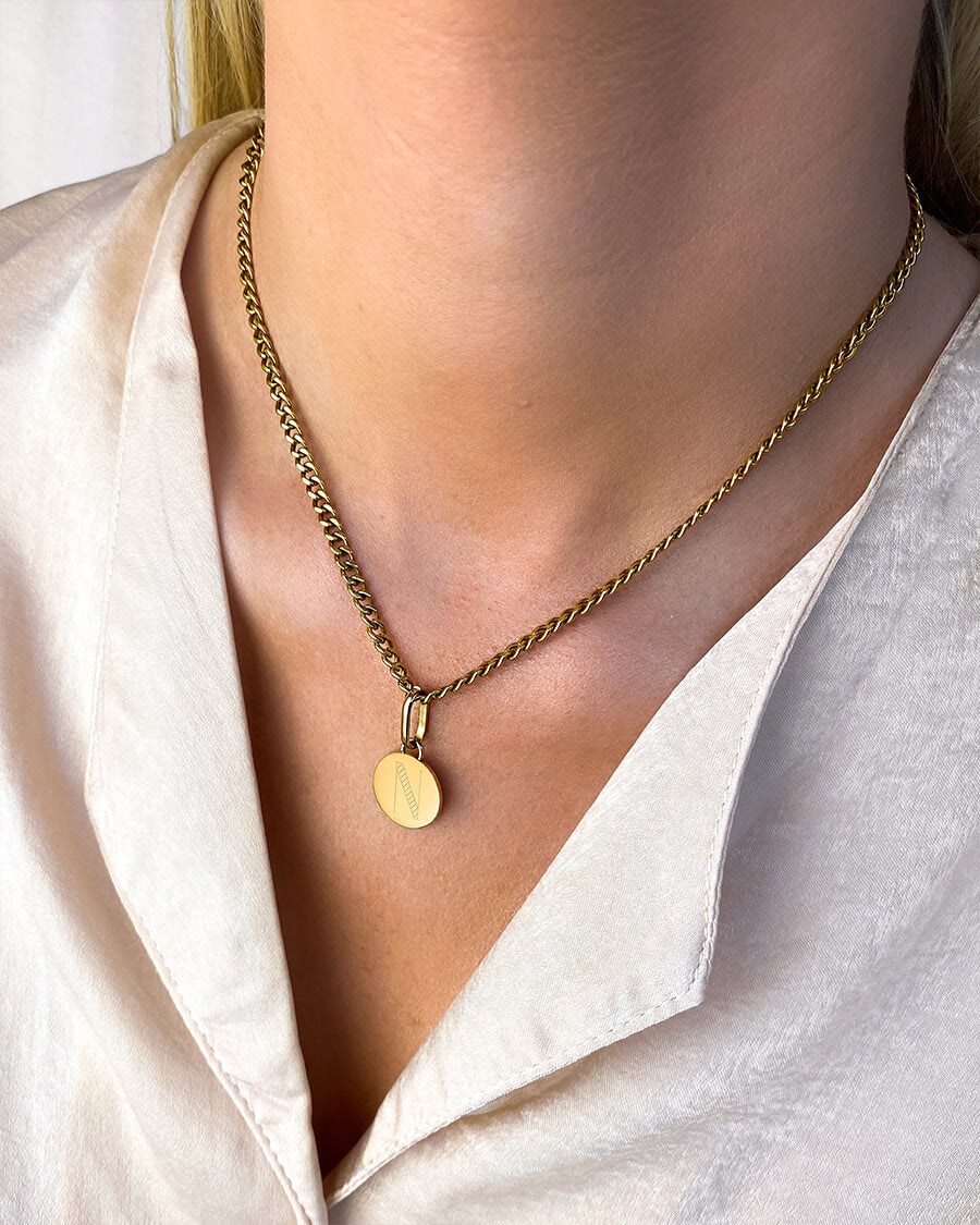 Circular Small Curb Chain Necklace (Gold)