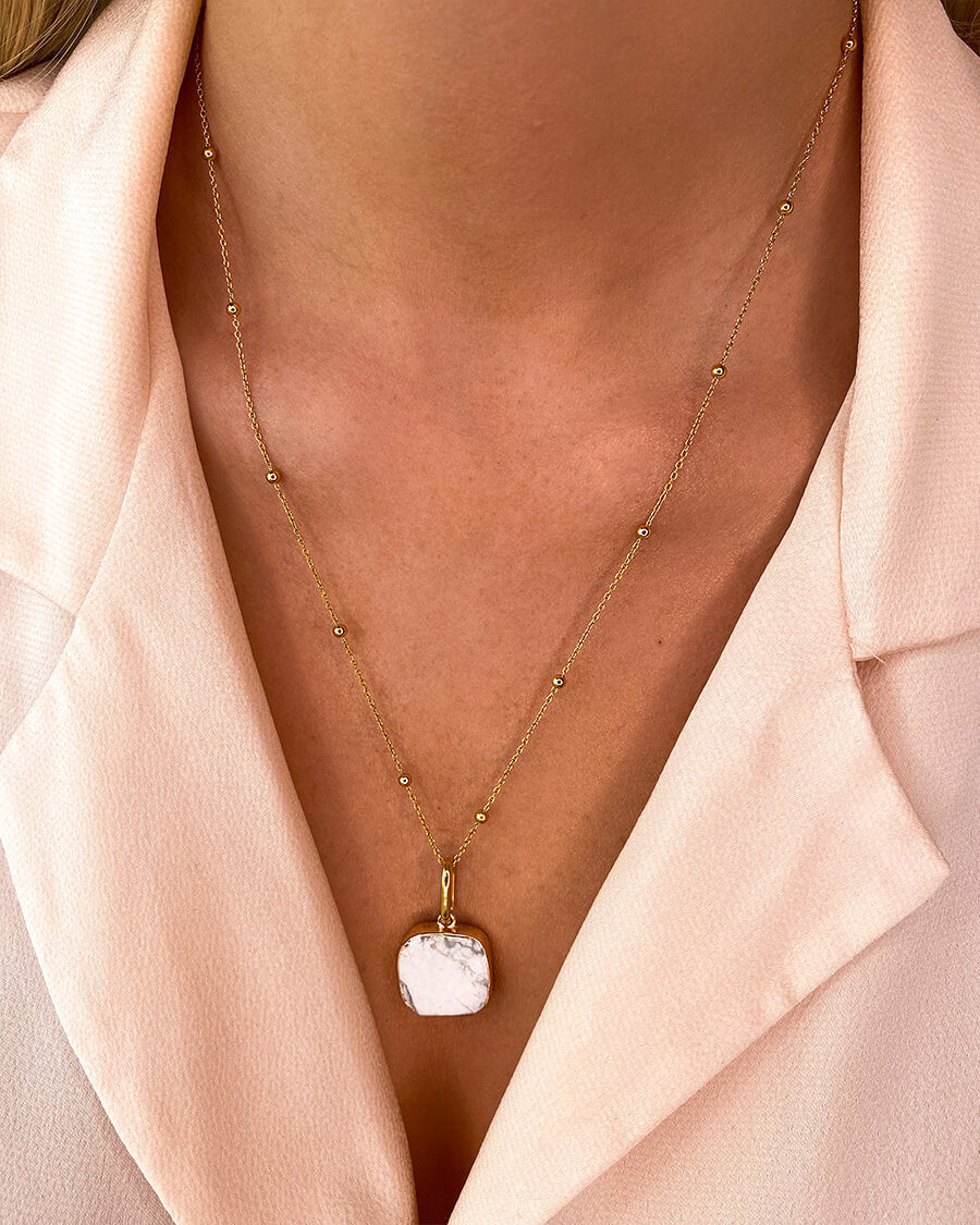 White Marble Sphere Chain Necklace 20 in (Gold)