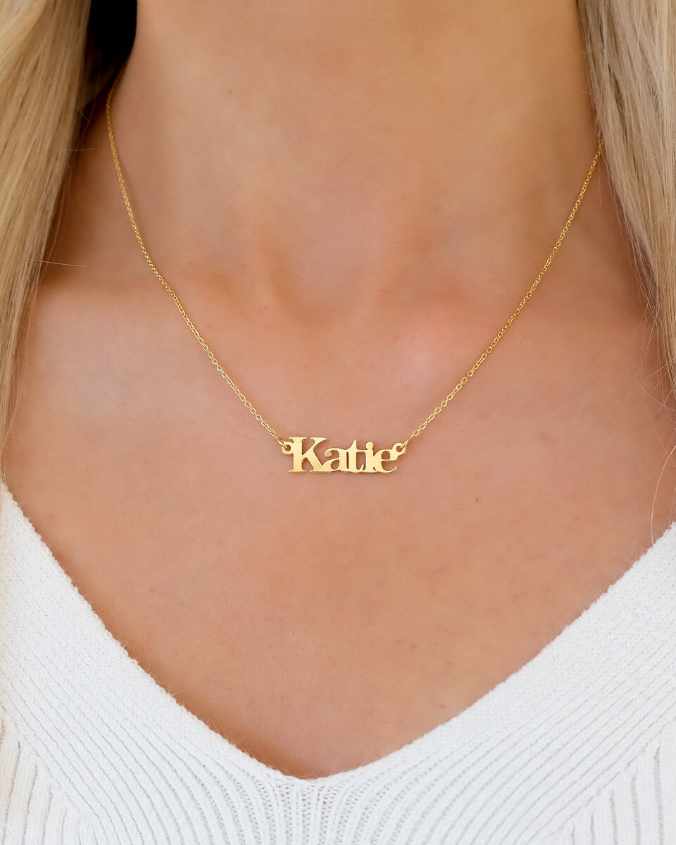 Sterling Silver Editorial Name Necklace (Gold)
