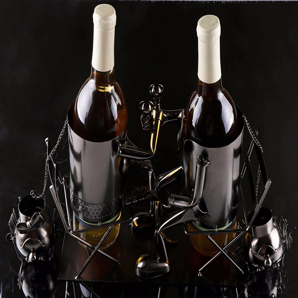 WINE BOTTLE HOLDER Of COUPLE DRINKING