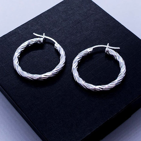 Diamond- Cut Round Tube Hoop Earrings 25 mm