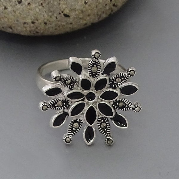 Marcasite & Resin Flower Ring #9