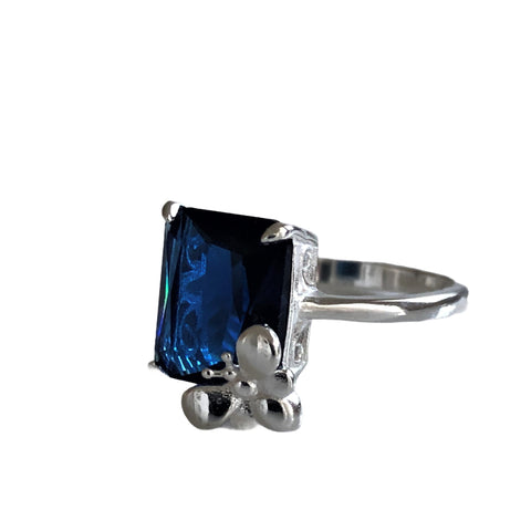 Rectangular CZ Bee Ring #6.5
