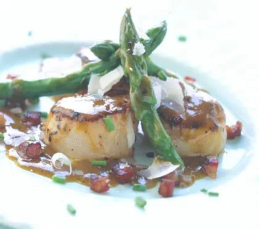 Pan-seared Scallops with Asparagus and Pancetta