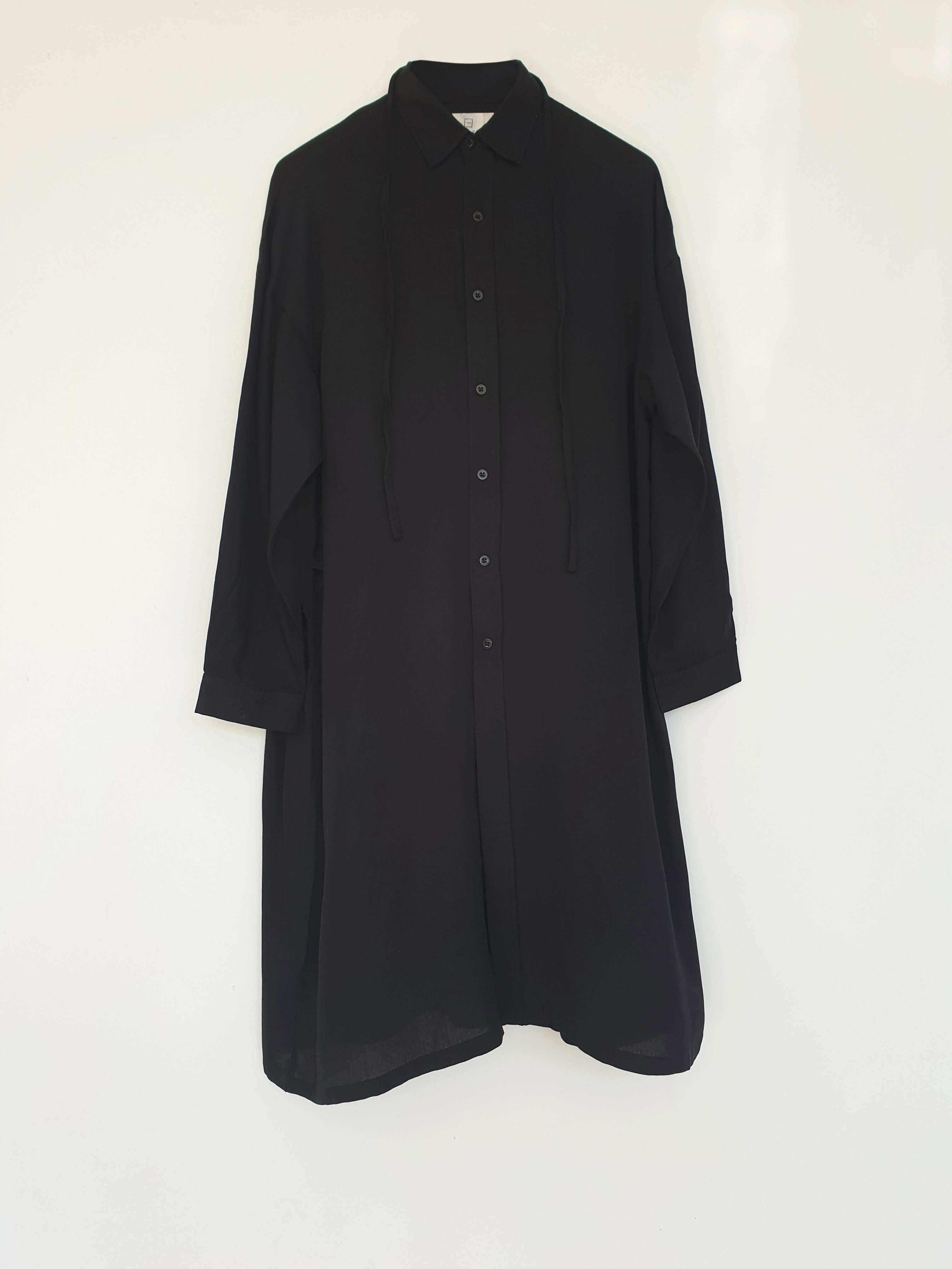 Noel Shirt Dress Black EESOME