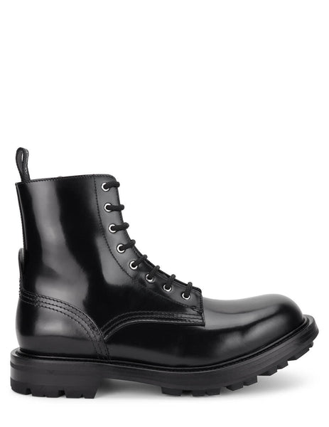 Men's Alexander McQueen Worker Boots in Black - 651621WHZ801000