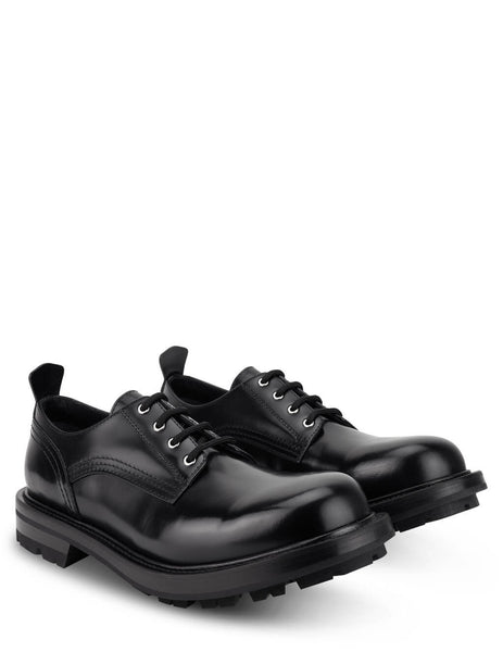 Men's Alexander McQueen Worker Lace Up Shoes in Black - 652663WHZ801000