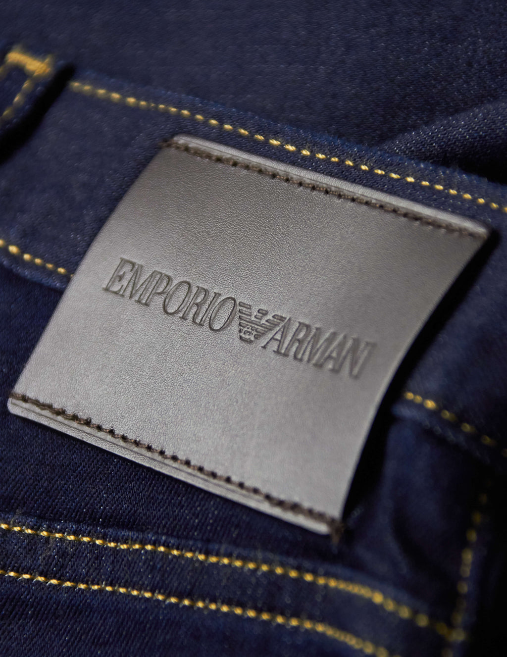 Emporio Armani Men's Giulio Fashion Navy J45 Regular-Fit Tapered Jeans 8N1J451DLPZ0941