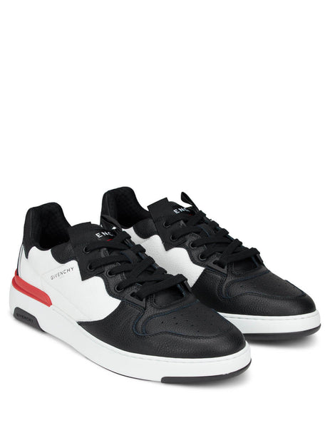 Givenchy Men's Giulio Fashion Black Wing Low Sneakers BH002KH0K6004