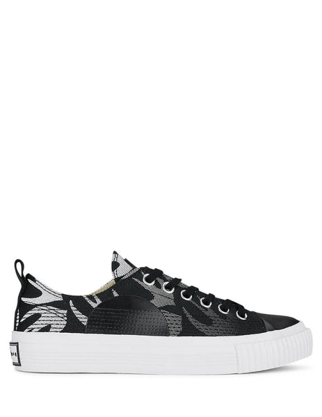 McQ Alexander McQueen Women's Giulio Fashion Black Swallow Plimsolls 600328R26821006