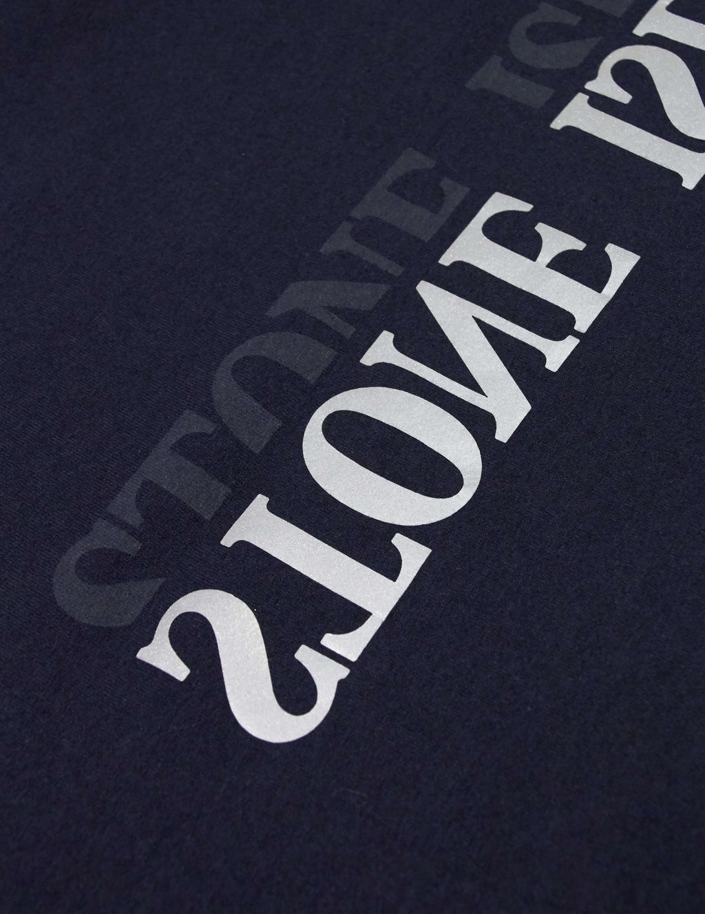 Stone Island Men's Giulio Fashion Navy Blue Reflective Logo T-Shirt 70152NS88V0020