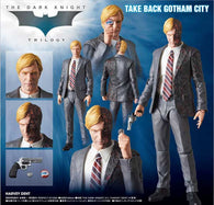 (PO) MAFEX The Dark Knight - Harvey Dent (4)