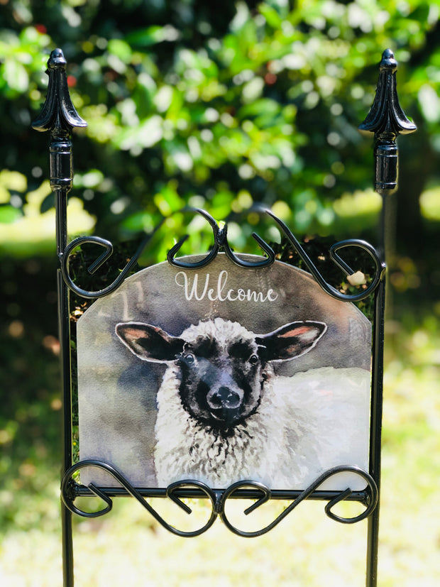 Black Faced Sheep Welcome Garden Sign