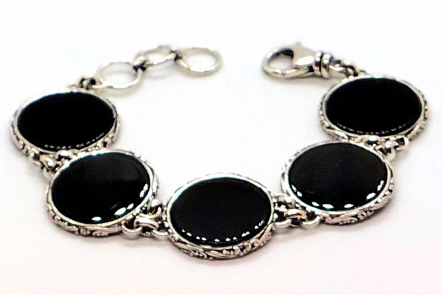 Indiri Collection LOVINA Round Onyx Station Bracelet