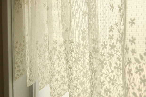 Heritage Lace Blossom Curtain Detail