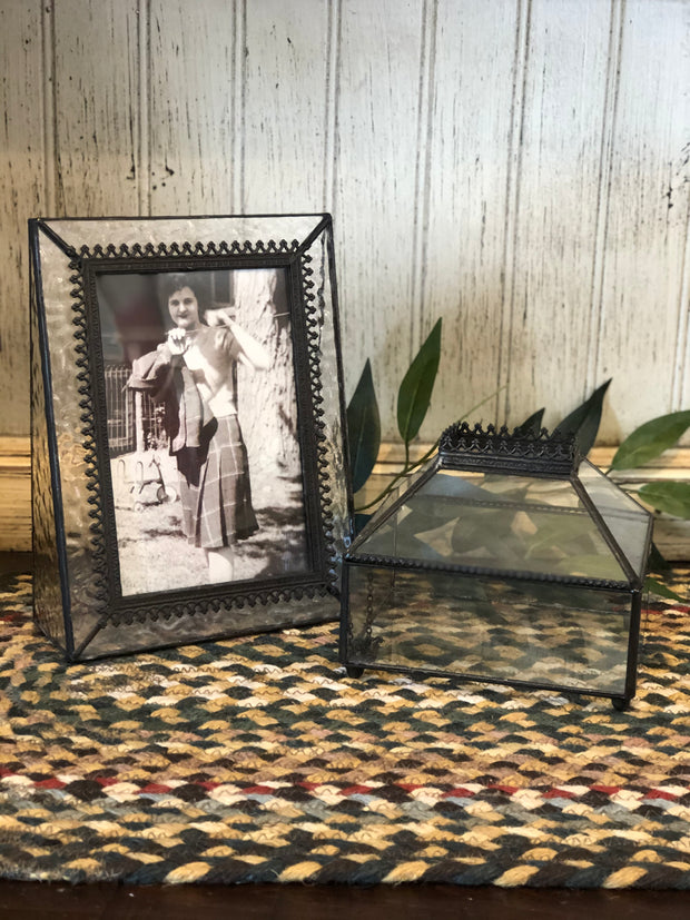 Filigree Vintage Glass Picture Frame
