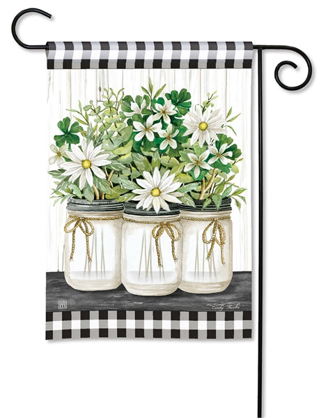 Studio-M Farmhouse Daisies Garden Flag