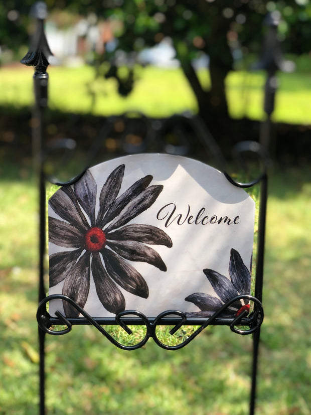 Heritage Gallery Black Daisies Welcome Garden Sign