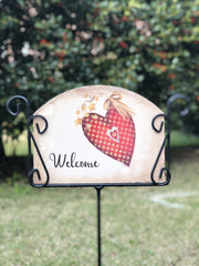Heritage Gallery Button Heart Garden Sign