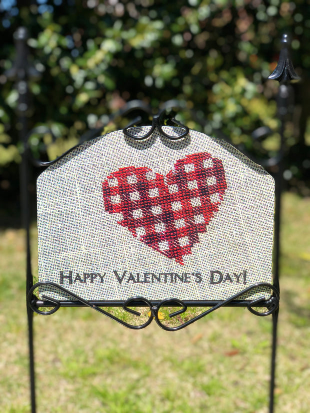 Heritage Gallery Fabric Heart Garden Sign