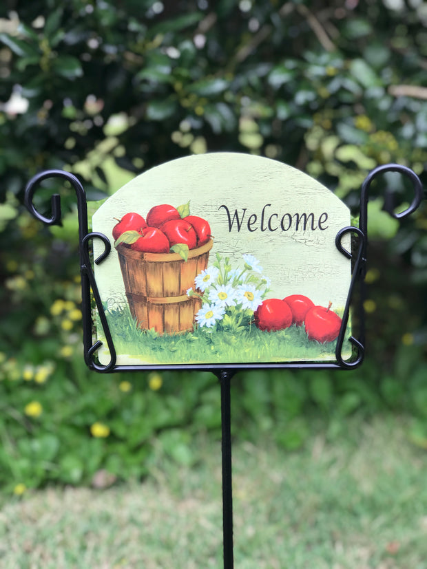 Bushel of Apples Welcome Garden Sign