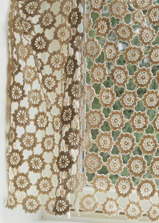 Heritage Lace Crochet Envy Pearl Valance Detail