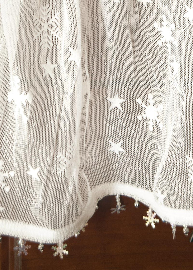 Heritage Lace Wind Chill Curtain & Trim Detail