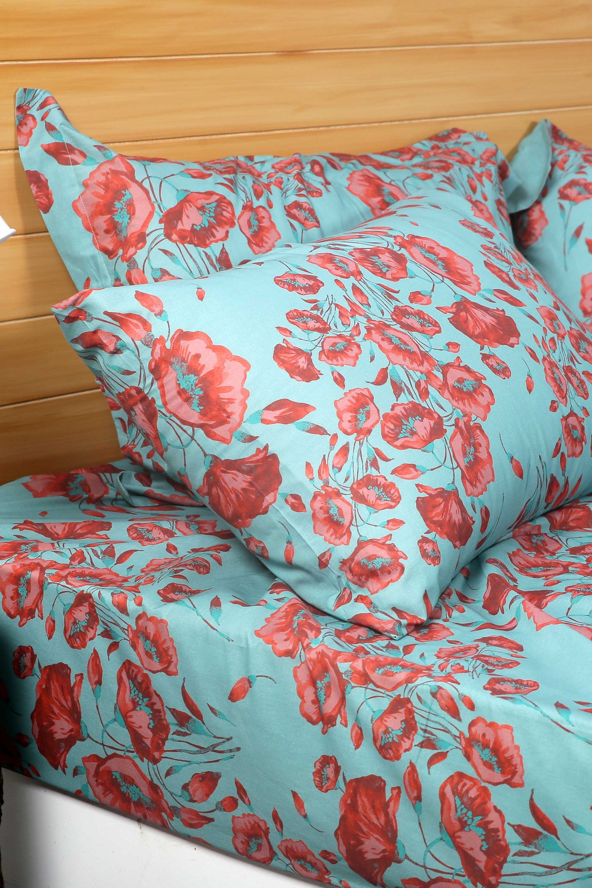 Flowers in the wild - Bed Sheet