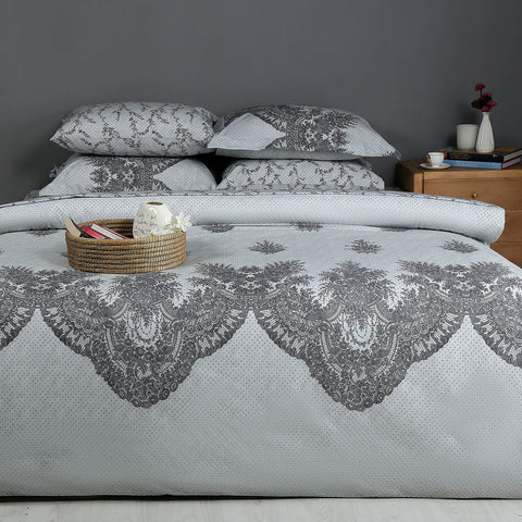 Lace Charm Quilt Cover