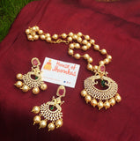 AD pendant set with pearl Maala