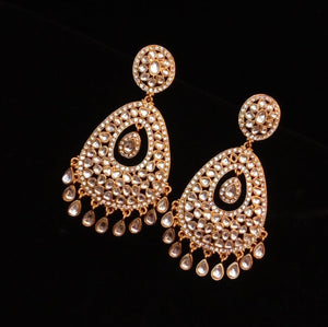 Diamond look alike earrings (2 finishes)