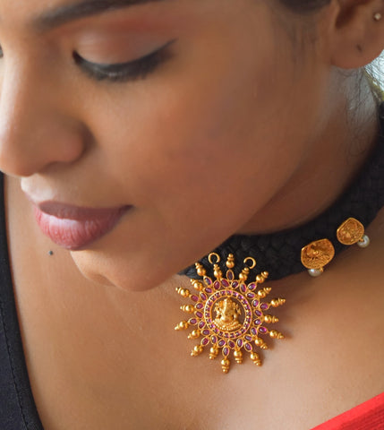 Ganesha chakra thread necklace with studs