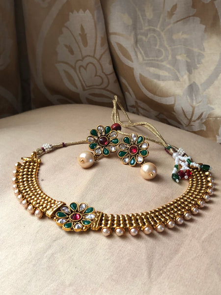Stylish Polki necklace with studs