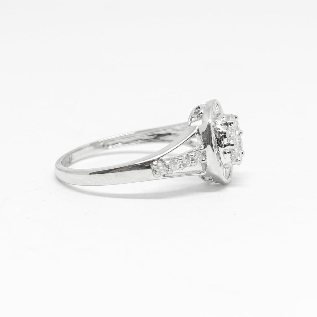 18K White Gold Diamond Cluster Ring - Rings