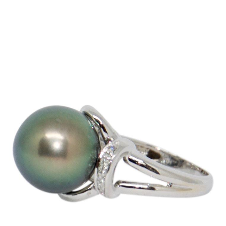 Tahitian South Sea Pearl And Diamond Ring